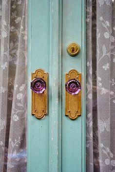 love these door knobs KrisMurphyPhotography.com