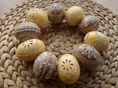 madeira Eastern Eggs, Carved Eggs, Egg Tree, Paint Drop, Egg Designs, Gourd Art, Egg Decorating, Craft Projects, Carving