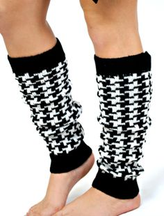 houndstooth leg warmers - i want!