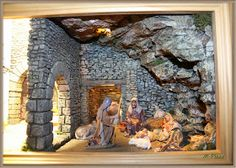 Risultati immagini per dioramas nacimiento Christmas Nativity Scene, A Christmas Story, Faux Rock, Mary And Jesus, Big And Beautiful, Bird Houses, Christmas Decorations, Miniatures, 1