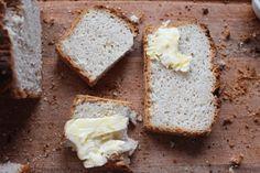 Czy ten chleb może pomóc schudnąć?Dzięki odpowiednimskładnikom, może też pomóc w odkwaszeniu organizmu. Upiecz go w ten weekend, zobacz jak działa i jakijest smaczny.  Katarzyna Gurbacka Dietetyk,Promotor Zdrowego Odżywiania Autorka Diety Venus Jeśli czytałaś moje poprzednie artykuły o pieczywie Zobacz, dlaczego pszenica Cię zabija ( naukowe wyjaśnienie), to już wiesz, że chleby z mąki...Read More »
