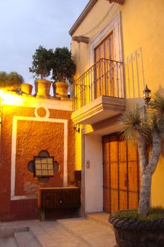 The sunlight on the orange and yellow walls - the beauty of San Miguel de Allende.
