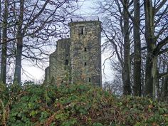 Crookston Castle, Glasgow.     Scottish Tower House castles. Tower Houses date from the 14t to 15th centuries and evolved out of earlier timber structures