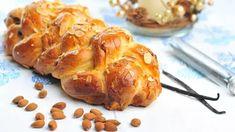 Máme pro vás žhavý vánoční tip – upečte si letos svoji vlastní vánočku atěm zobchodů dejte košem! Přinášíme vám výborný recept na kynutou vánočku pletenou ze 6 pramenů. Christmas Cookies, Baked Potato, Turkey, Potatoes, Meat, Baking, Ethnic Recipes, Food, Scrappy Quilts
