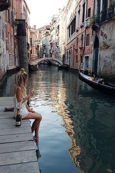 Venedig. Den passenden Koffer findet ihr bei uns: https://www.profibag.de/reisegepaeck/
