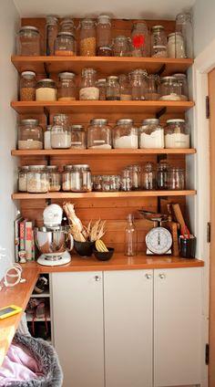 more open shelving, kitchen organization Pantry Storage, Jar Storage, Kitchen Organization, Kitchen Storage, Storage Organization, Storage Ideas, Spice Storage, Storage Containers, Food Storage