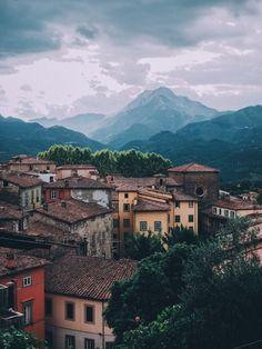 Mostly Italy ... View on Barga (Tuscany, Italy) by Leo Bild