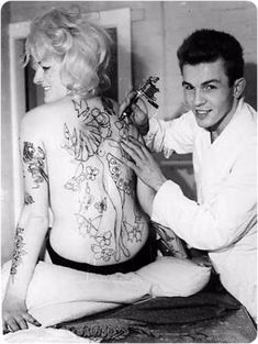 Australia's first homegrown tattooed (and tattooist) pin-up girl Old Tattoos, Badass Tattoos, Life Tattoos, Body Art Tattoos, Tatoos, Picture Tattoos, Tattoo Photos, Vintage Style Tattoos, Tattoo Vintage