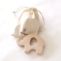 Natural, handmade wooden teether for babies! #naturaltoys #ecofriendlytoys #handmadetoys #cheengoo