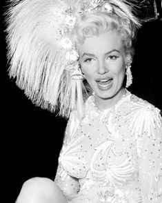 """Marilyn Monroe on the set of """"There's No Business Like Show Business"""", 1954 Hollywood Stars, Old Hollywood, Hollywood Glamour, Classic Hollywood, Mazzy Star, Joe Dimaggio, Marilyn Monroe Photos, Norma Jeane, Up Girl"""