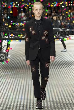 Dior Homme Spring/Summer 2017 Menswear Collection | British Vogue