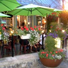 Beautiful flowers and great ambience at la Nouvelle  France, Quebec Canada