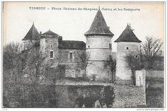 Frankreich - VIGNIEU - Vieux château du Chapeau Cornu et les remparts