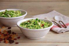 """Hoy hemos preparado una cena ligera y sana en menos de 1 minuto. ¡Esta """"ensalada rápida de brócoli"""" está riquísima!. @misthermorecetas #misthermorecetas #thermomix #tm5 #tm31 #recetas #recetassanas #recetassaludables #recetasveganas #dieta #cenasaludable #brocoli #verduras"""