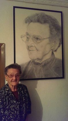 Portrait of my grandmother https://www.facebook.com/amanda.esplugues #portrait #grandmother #oldwoman #grandmother #pencildrawing