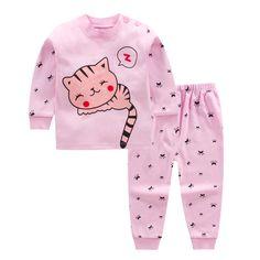 Baby Kids unisex clothing set cotton cute cartoon suit set for boy and girl Baby Boy Newborn, Baby Kids, Boys And Girls Clothes, Baby Mickey, Baby Suit, Newborn Baby Photography, Outfit Sets, Cute Babies, Boy Or Girl