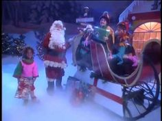 """Santa Claus is Coming to Town from Kidsongs.com  :"""" We Wish you a Merry Christmas"""""""