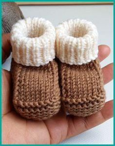 Amazing Knitting provides a directory of free knitting patterns, tips, and tricks for knitters. Baby Booties Knitting Pattern, Knitted Booties, Baby Hats Knitting, Baby Knitting Patterns, Free Knitting, Arm Crocheting, Handmade Baby Items, Knitted Baby Clothes, Baby Girl Crochet