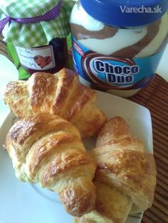 Domáce maslové croissanty (fotorecept) - Recept Croissant, French Toast, Food And Drink, Breakfast, Basket, Food, Brot, Morning Coffee, Crescent Roll