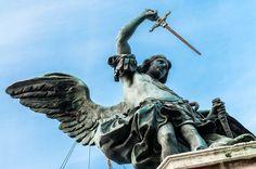 Engel mit Schwert kündigt Ende der Pest an (24236702711) - Michael (archangel) - Wikipedia, the free encyclopedia