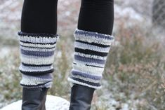 Trying to approach the project of knitting socks, by knitting another pair of leg warmers :-D This time for me. The knitting a hee. Easy Knitting, Knitting Socks, Knit Leg Warmers, Pairs, Legs, Pattern, Design, Fashion, Knit Socks