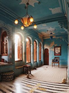 most instagrammable place of city palace udaipur Tips For Traveling Alone, Places To Travel, Places To Visit, Weather In India, Udaipur India, Backpacking India, India Culture, Indian Architecture, Visit India