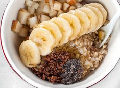 Losing weight doesn't have to equate with hunger pangs and anger. In fact, you can eat more and still lose weight by adding more fiber to your diet. Healthy Breakfast For Weight Loss, Health Breakfast, Healthy Recipes For Weight Loss, Easy Healthy Dinners, Healthy Snacks, Stay Healthy, Healthy Eating, Dog Treat Recipes, Dog Food Recipes