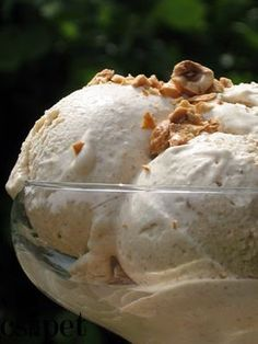 egycsipet: Mogyorófagylalt Frozen Yoghurt, Yogurt, Hungarian Recipes, Hungarian Food, Sorbet, Parfait, Fudge, Cabbage, Deserts