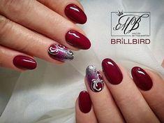 Salonwork #salonwork #martonbettina #bettinamarton #nail #nails #nailart #naildesign #nailfashion #nails #nailstagram #brillbird #köröm #műköröm #gellack #gellak #gellac #glitter #glamourgel
