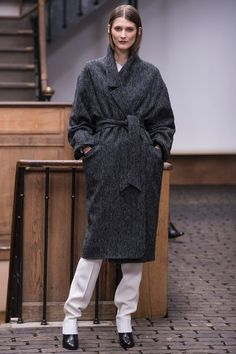(via Christophe Lemaire Fall 2013 Ready-to-Wear Collection on Style.com: Complete Collection)