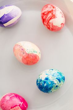 DIY: marbled Easter eggs