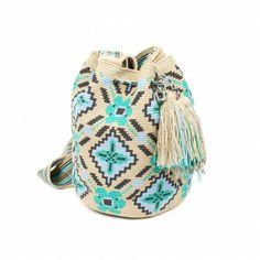 Bolso Wayuu Filet Crochet, Hand Crochet, Knit Crochet, Crochet Bags, Tapestry Bag, Tapestry Crochet, Crochet Crop Top, Crochet Accessories, Crochet Patterns
