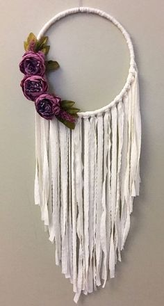 Easy Crafts to Make and Sell – Crafts and DIY Ideas Crafts To Make, Arts And Crafts, Diy Crafts, Dreamcatchers, Hula Hoop, Crafty Craft, Boho Wedding, Trendy Wedding, Bohemian Wedding Decorations