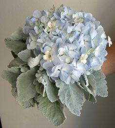 Cake top inspiration - dusty antique blue hydrangea