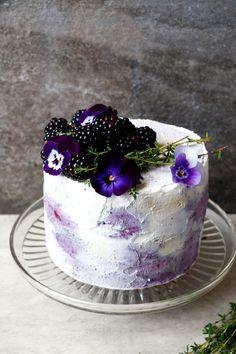 Plantbased Birthday Cake (gluten-free & vegan)