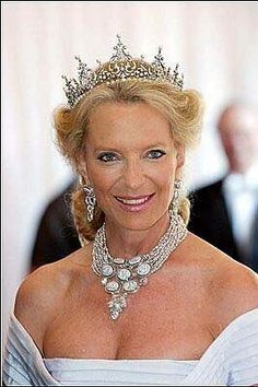 Princess Michael of Kent wearing the Kent Festoon Tiara.  In her will, Marina left this tiara to her younger son, Prince Michael of Kent. Since then, it has been worn by Princess Michael-only who seems to be particularly fond of this piece: she wears the Festoon Tiara in most of her official photographs.