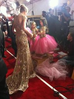 Taylor with Sophia Grace and Rosie from Ellen!