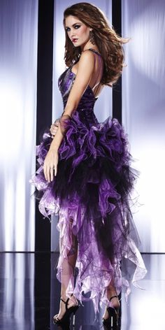 Gorgeous Purple Love, All Things Purple, Purple Hues, Shades Of Purple, Purple Party Dress, Mode Glamour, Evening Dresses, Prom Dresses, Purple Outfits