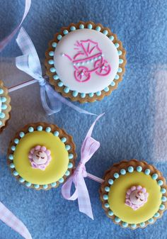 赤ちゃんガラガラクッキー、装飾された砂糖クッキー、ジュリアMアッシャー