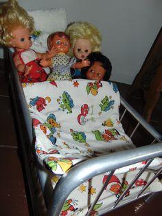 panenky ve staré postýlce 2