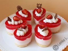 Semifreda a kelímky Cheesecake, Cupcakes, Desserts, Food, Tailgate Desserts, Cupcake Cakes, Deserts, Cheesecakes, Essen