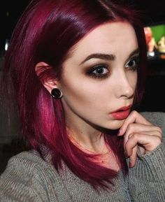 plum hair. gorgeous eyebrows. smokey eyes. wow once upon a time this was my dream look, oh how times change