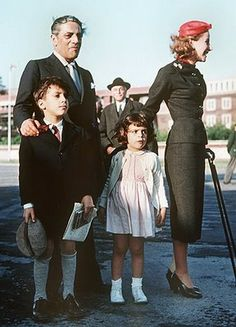 Aristotle Onassis with wife Tina and their children Alexander and Christina. Jackie Kennedy, Jaqueline Kennedy, Los Kennedy, Lee Radziwill, Maria Callas, Christina Onassis, Divorce, Greek Tragedy, John Junior
