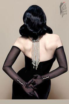 The Valentina Dita von Teese Gloves Gants Vintage, Gothic Fashion, Vintage Fashion, Dita Von Teese Style, Dita Von Tease, Fashion Mode, Fashion Tips, Fashion Clothes, High Fashion