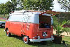 Stacey at Vintage Vans festival Surf Trip, Vintage Vans, Camper Van, Cars Motorcycles, Surfing, Vehicles, Pintura, Recreational Vehicles, Travel Trailers