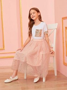 Girls Sequin Detail Tee & Star Tulle Skirt Set Check out this Girls Sequin Detail Tee & Star Tulle Skirt Set on Shein and explore more to meet your fashion needs! Kids Outfits Girls, Cute Girl Outfits, Girls Fashion Clothes, Tween Fashion, Teen Fashion Outfits, Little Girl Dresses, Girly Outfits, Cool Outfits, Girl Fashion