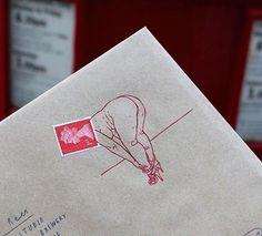 Bingo is having fun with the Queen of England Bingo, Elizabeth Ii, Illustrator, Blog Art, Envelope Art, Queen Of England, Vintage Sheets, Mail Art, San Jose