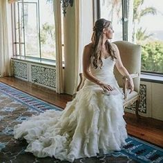 Those moments before the ceremony are some of our favorite too @watterswtoo. Bride in Linnea by @sarahsotro. #BeAWattersGirl #weddingdress #realwedding #bridal #weddingphotography #sarahsotro #moments #specialmoment #bridalgown #Watters #weddingday #weddi