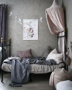 Blommönstrat i barnrummet - Lovely Life Teen Room Decor, Kids Decor, Bedroom Decor, Home Decor, Bedroom Furniture, Girl Room, Girls Bedroom, Teenage Room, Kids Room Design