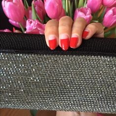 ❤️ O ... Nights are getting hotter ... A marvelous modern take on a traditional beaded clutch ... All delicate black and platinum beads ... Handmade, silk lining, magnetic closures and one inner pocket ... So modern yet classic ... With a dainty silver chain ... Brand New, purchased from Paris ... ❤️ ❤️ Bags